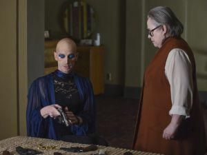 Denis O'Hare as Liz Taylor and Kathy Bates as Iris on American Horror Story. (FX)