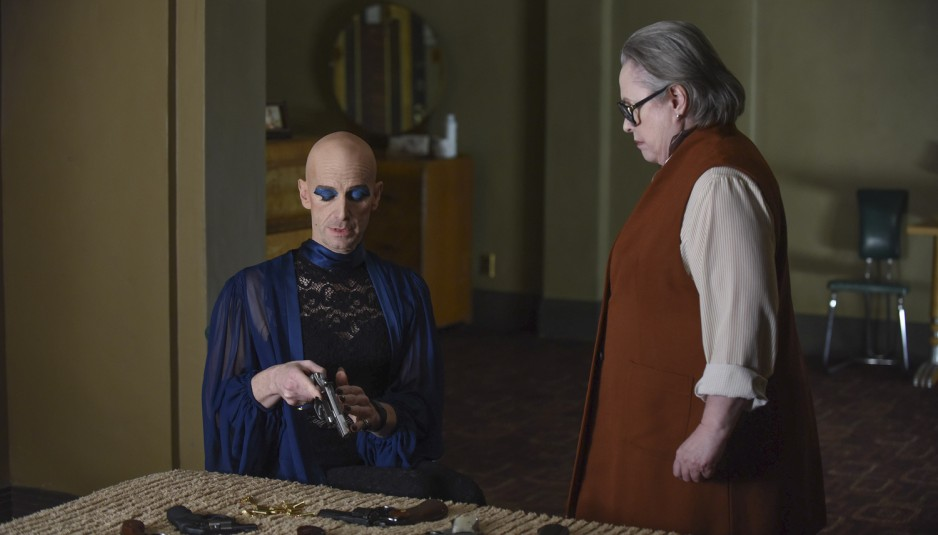 'American Horror Story: Hotel' Latecap 5×11: God Save the Queenie