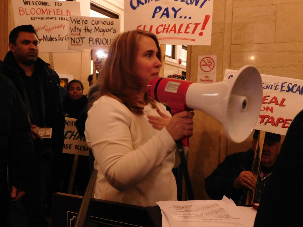 Despite Cold, Protesters Rally Against Corruption in Bloomfield