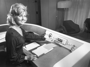 28th September 1971: A receptionist switches off her equipment at the end of a post office 'confravision' in Euston Tower, London. (Photo by Hulton Archive/Getty Images)