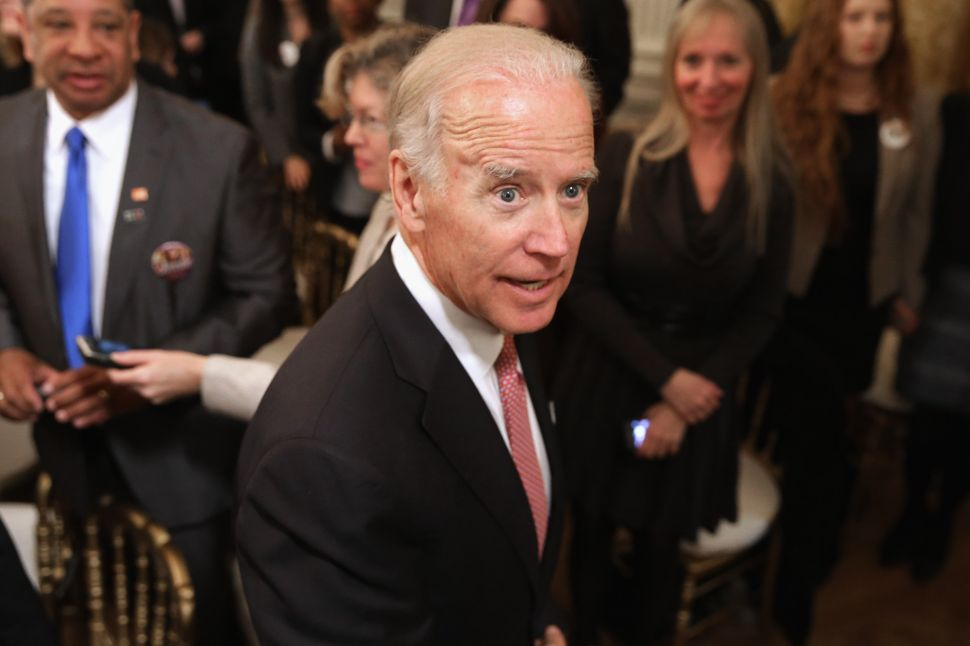 Breaking: Joe Biden 'Feels the Bern'—Boosts Bernie Against Hillary