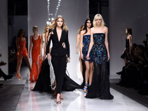 Atelier Versace Spring 2016 (Photo: Getty Images).