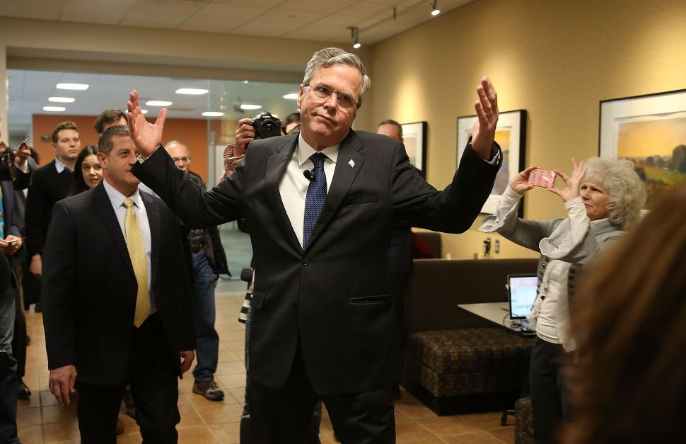 Jeb Bush's 'America' Gun Tweet Criticized and Parodied on Social Media