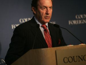 Mort Zuckerman. (Photo by Chris Hondros/Getty Images)