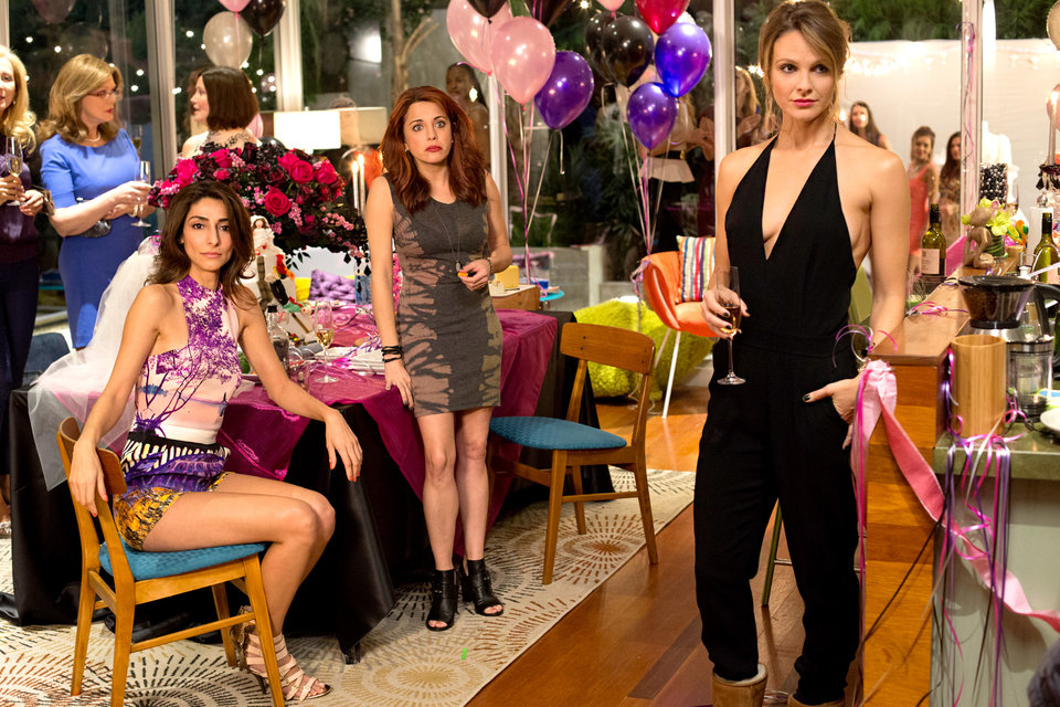 'Girlfriends' Guide to Divorce' Is All About Realistic Outfits and Relatable Drama