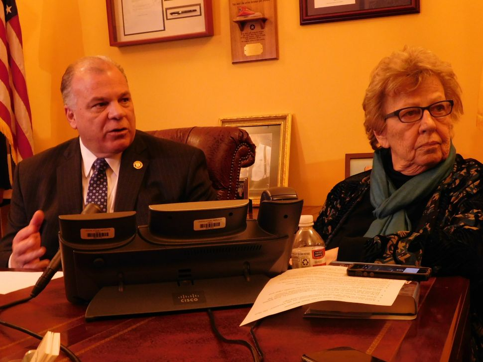 Sweeney, Weinberg Criticize State of the State for Lack of Focus on Jersey's Problems