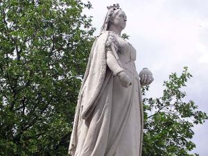 A state of Queen Victoria by artist Joseph Boehm in Bristol England. (Photo: Wikimedia Commons)