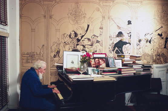 Al Hirschfeld's Pink Townhouse 'Mural' Turns Out to Be Wallpaper