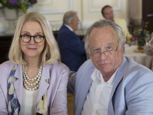 Blythe Danner and Richard Dreyfuss as Ruth and Bernie in Madoff.