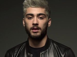 The New York Times is fascinated by millennials like Zayn Malik, who voluntarily dye their hair gray. (Photo: Twitter)