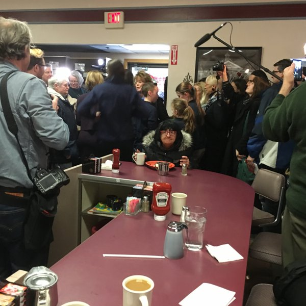 Woman Ignoring Carly Fiorina in a Diner Is the Star of the NH Primary