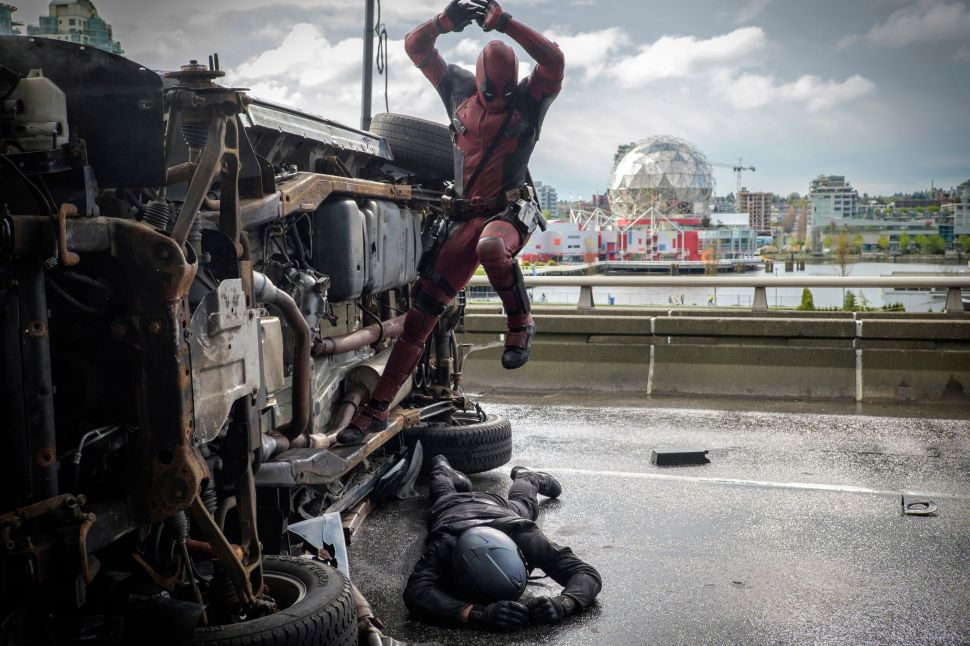 How 'Deadpool' Saved Ryan Reynolds From Certain Hunk-Hollywood Fate