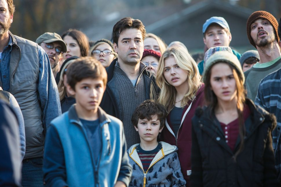 'The 5th Wave': A Forgettable Flick Based on Rick Yancey's YA Trilogy