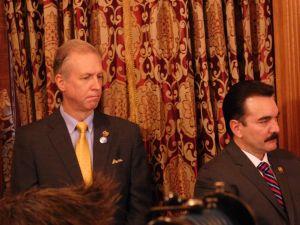 Prieto and Wisniewski introduce a bill they co-sponsor on raising the minimum wage.