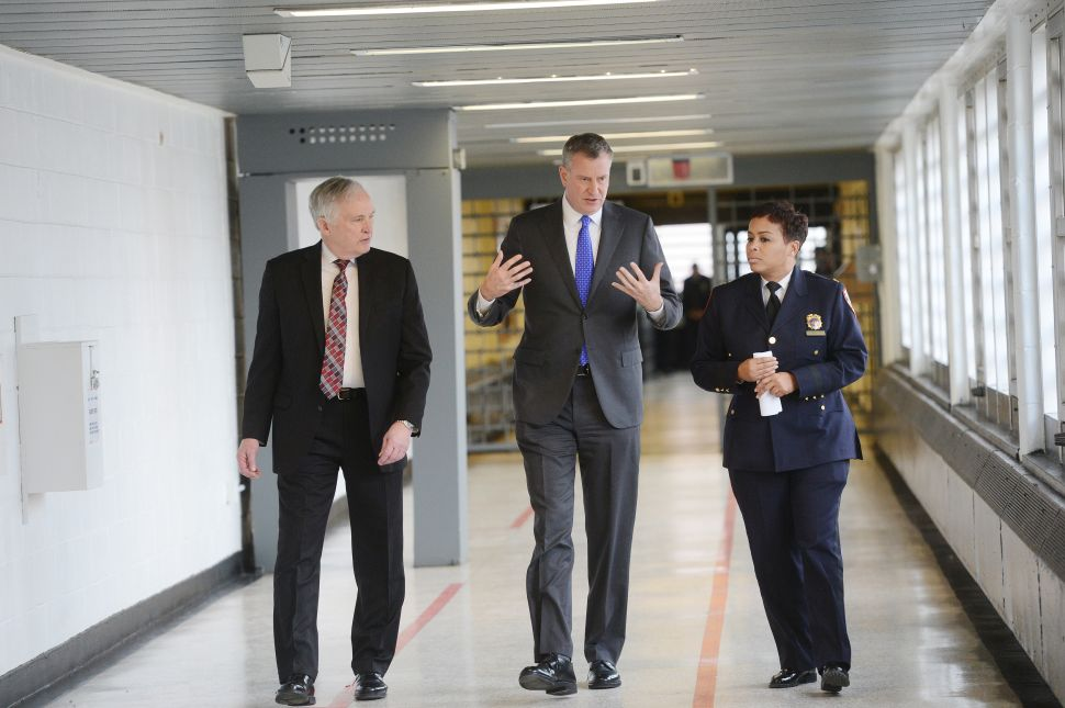 NYC Mayor 'Does Not See' Rikers Island Closing in Less Than 10 Years