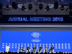 (From L) Journalist Martin Wolf, International Monetary Fund (IMF) Managing Director Christine Lagarde, British Finance Minister George Osborne, Indian Finance Minister Arun Jaitley, Governor of the Bank of Japan Haruhiko Kuroda and Ivory Coast-born French Credit Suisse CEO Tidjane Thiam attend a session of the World Economic Forum annual meeting on January 23, 2016 in Davos.