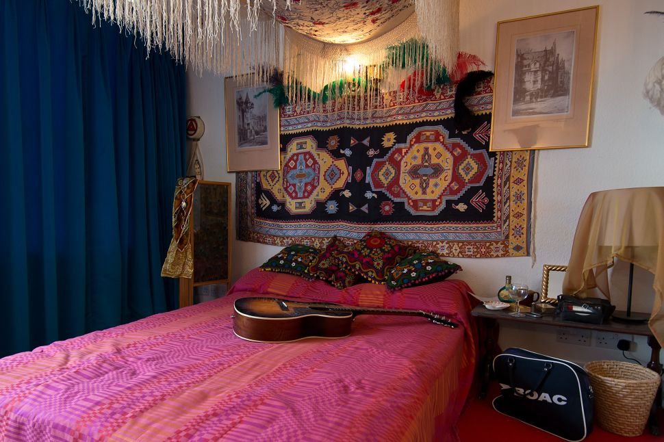 Jimi Hendrix's Restored London Apartment Now a Museum