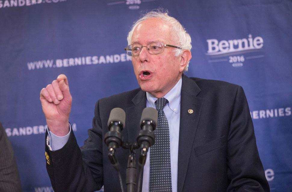 Liberal Economists Defend Bernie Sanders Against a Chorus of Critics