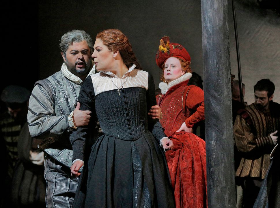 Sondra Radvanovsky Excels in 'Maria Stuarda,' Otherwise a Second-Rate Opera