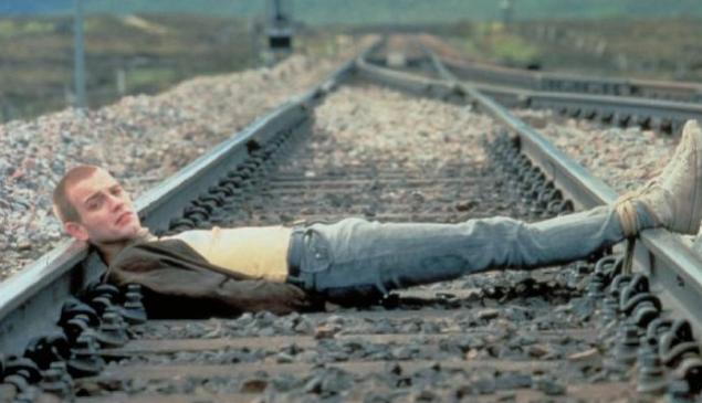 Ewan McGregor in Trainspotting.