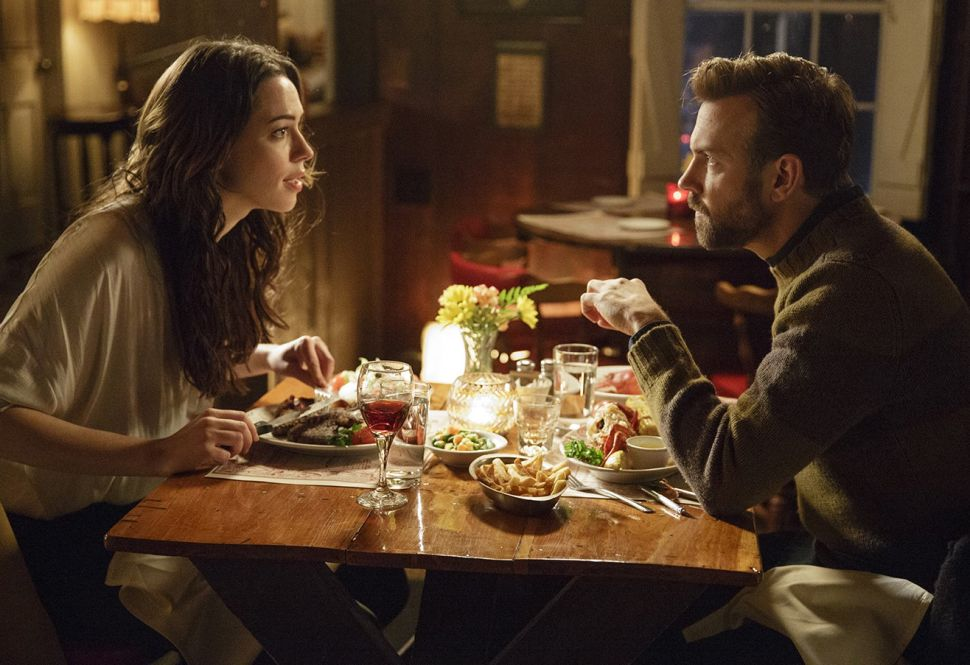 Rebecca Hall and Jason Sudeikis Reluctantly Find Love in 'Tumbledown'