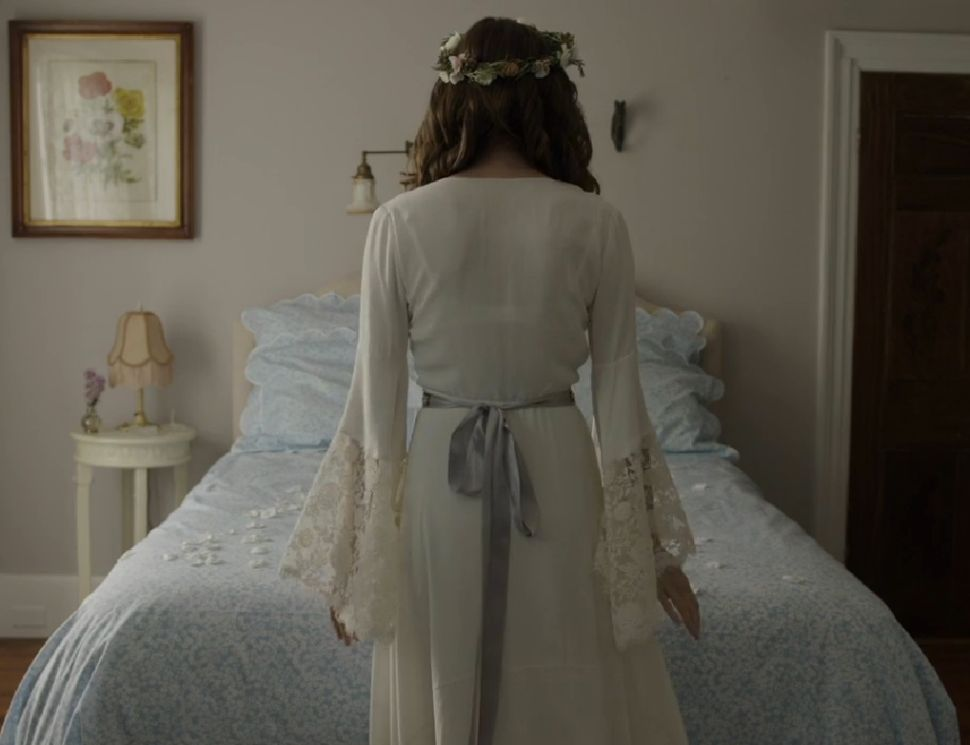 Marnie's 'GIRLS' Wedding Style: Laurel Canyon Classic Meets Pinterest Board Nightmare