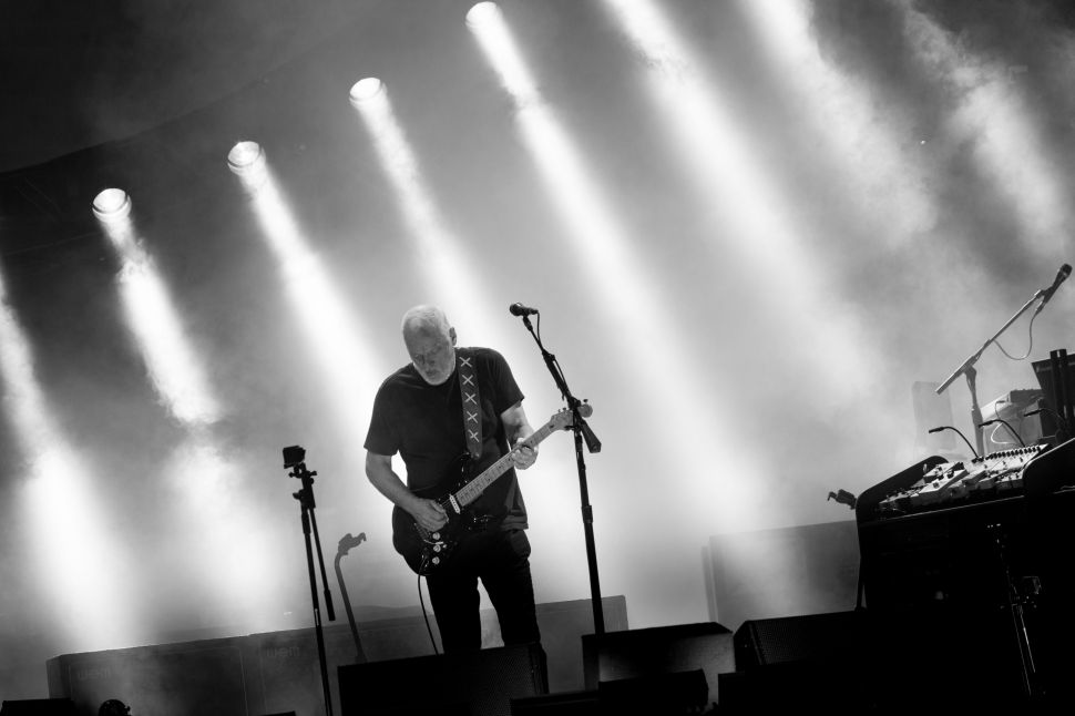 David Gilmour Sounds as Vital as Ever on the Graceful 'Rattle That Lock'