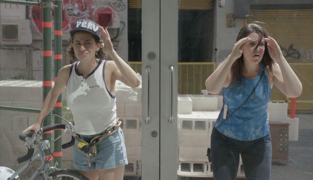 Abbi Jacobson and Ilana Glazer in Broad City.