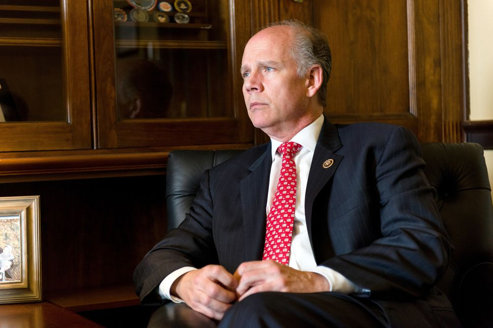 NYC's Sole GOP Congressman Backs Bills to Shield Undocumented Immigrants From Deportation