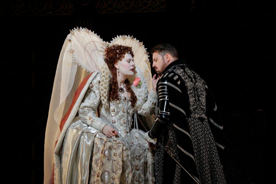 The Met's 'Roberto Devereux' Is Dreary When It's Not Plain Vulgar