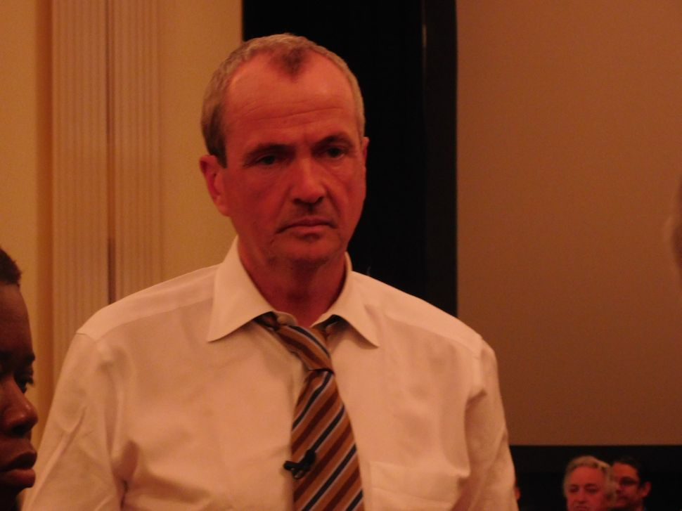 Gubernatorial Rival Attacks Murphy on Fundraising Sources