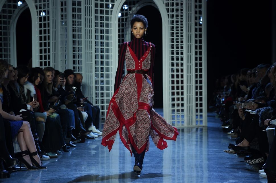 Are Orthodox Women Behind One of Fall 2016's Biggest Fashion Trends?