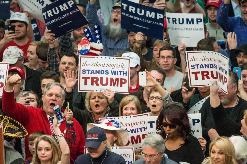 Bernie Sanders Condemns Violence at Donald Trump Rallies