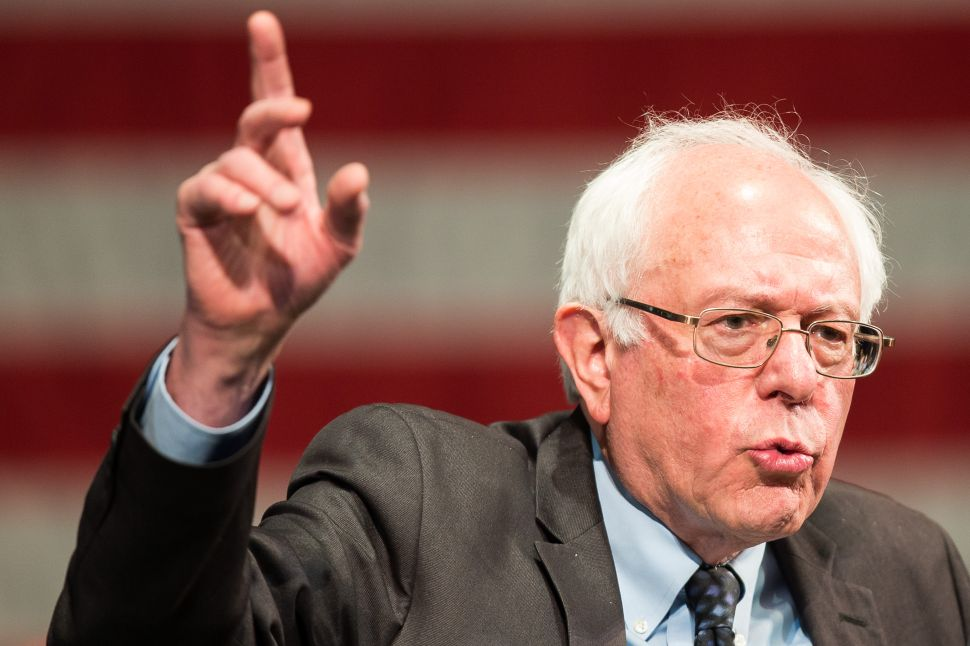 Bernie Sanders Shocks Hillary Clinton in Michigan