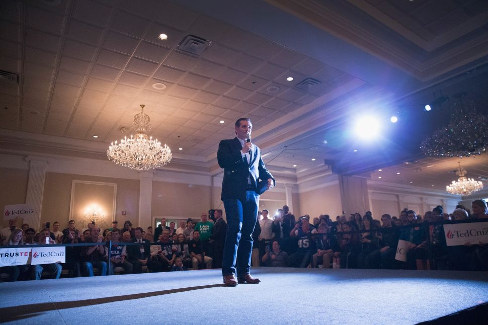 Ted Cruz Aims to Beat Trump's Earned Media With Data