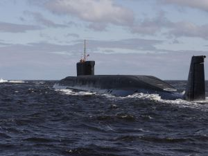 A new Russian nuclear submarine. Photo: ALEXANDER ZEMLIANICHENKO/AFP/Getty Images)