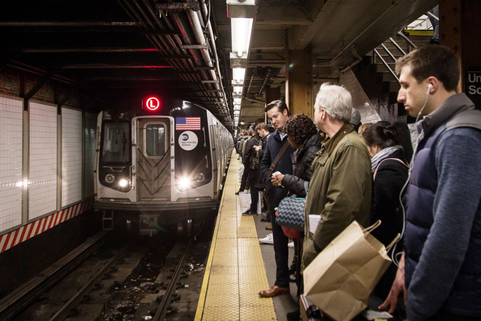 Afternoon Bulletin: L Train Shutdown Might Stretch to Manhattan and More
