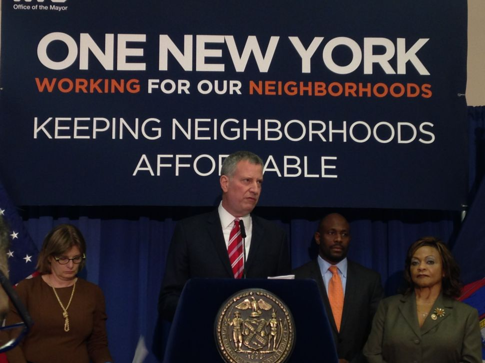 De Blasio Rips Congressional Candidate's Proposal to Hand NYCHA Over to Cuomo