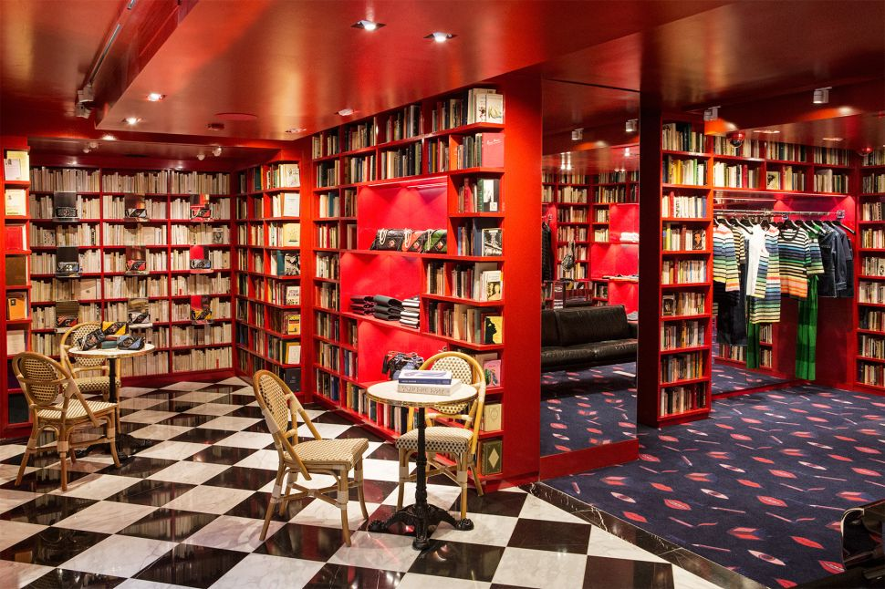 15,000 Books Line the Walls of Sonia Rykiel's New York Boutique