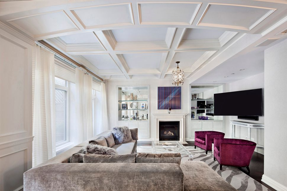 A Perfectly Pristine Upper East Side Maisonette Removed From City Life