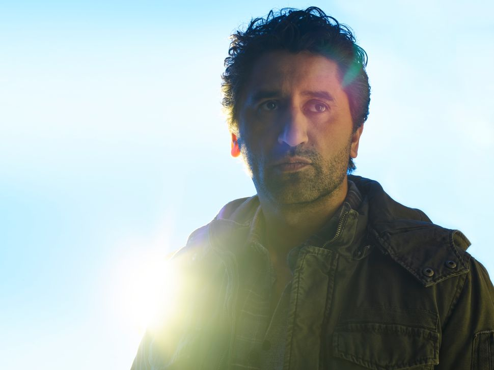 'Fear The Walking Dead' Star Cliff Curtis on His Next Challenge: Oscar Buzz