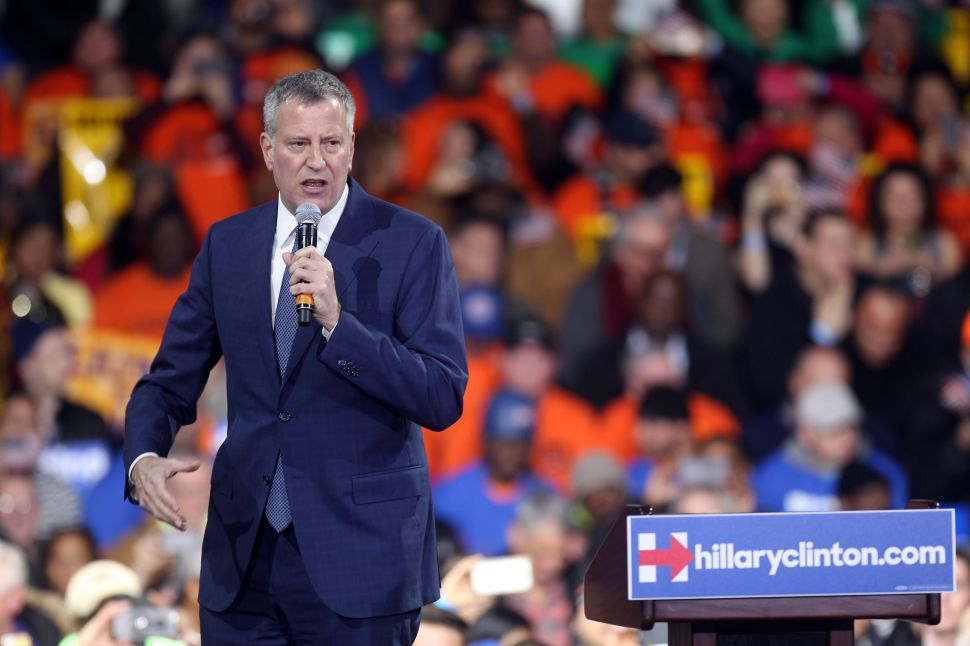 De Blasio: Bernie's Attacks on Hillary's Climate Change Record Are 'Flat-Out False'