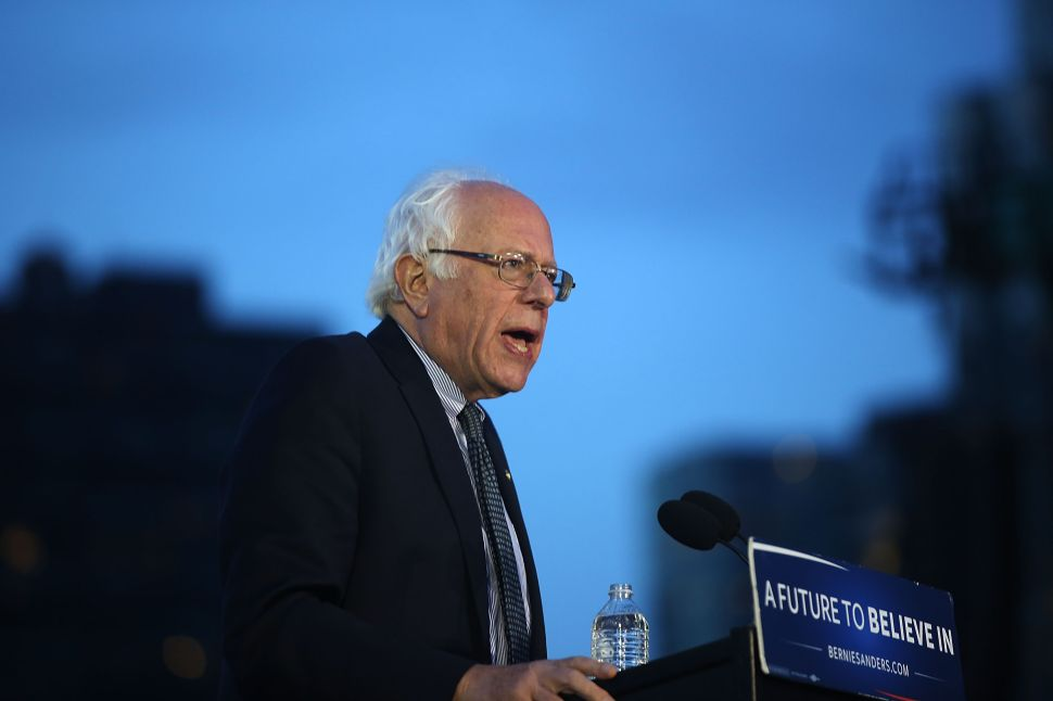 Sanders Should Stop Attacking Clinton, and Vice Versa