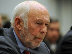"""James Simons, director of Renaissance Technologies LLC, listens during the House Oversight and Government Reform Committee November 13, 2008 in Washington, DC. George Soros chairman of Soros Fund Management LLC, testified on the topic of """"The Regulation of Hedge Funds"""" during the hearing. AFP PHOTO/TIM SLOAN"""