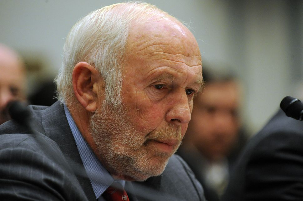 Why Billionaires Like James Simons Donate Millions to Clinton and Cruz