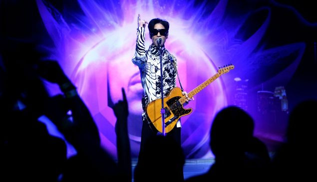 """LOS ANGELES, CA - MARCH 28: ***EXCLUSIVE*** Musician Prince performs his first of three shows onstage during """"One Night... Three Venues"""" hosted by Prince and Lotusflow3r.com held at NOKIA Theatre L.A. LIVE on March 28, 2009 in Los Angeles, California."""