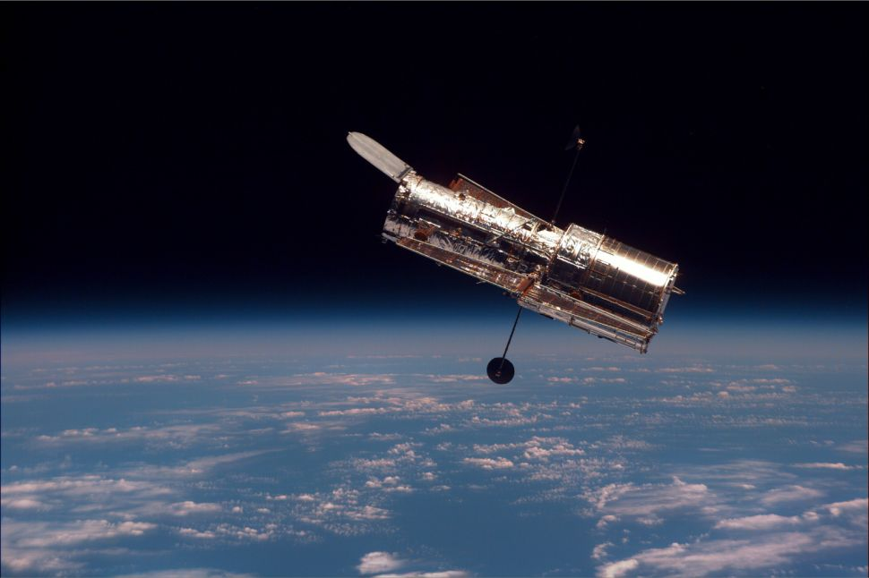 This Week in Tech History: First YouTube Video, Hubble Launched