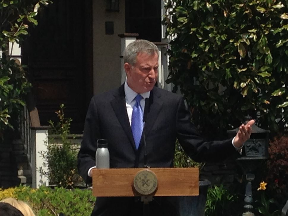 De Blasio Rips 'Outrageous' Probe Prompted by Cuomo Appointee