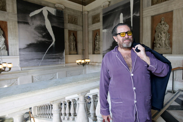 The Many Notable Times Julian Schnabel Has Worn Pajamas in Lieu of Real Clothes
