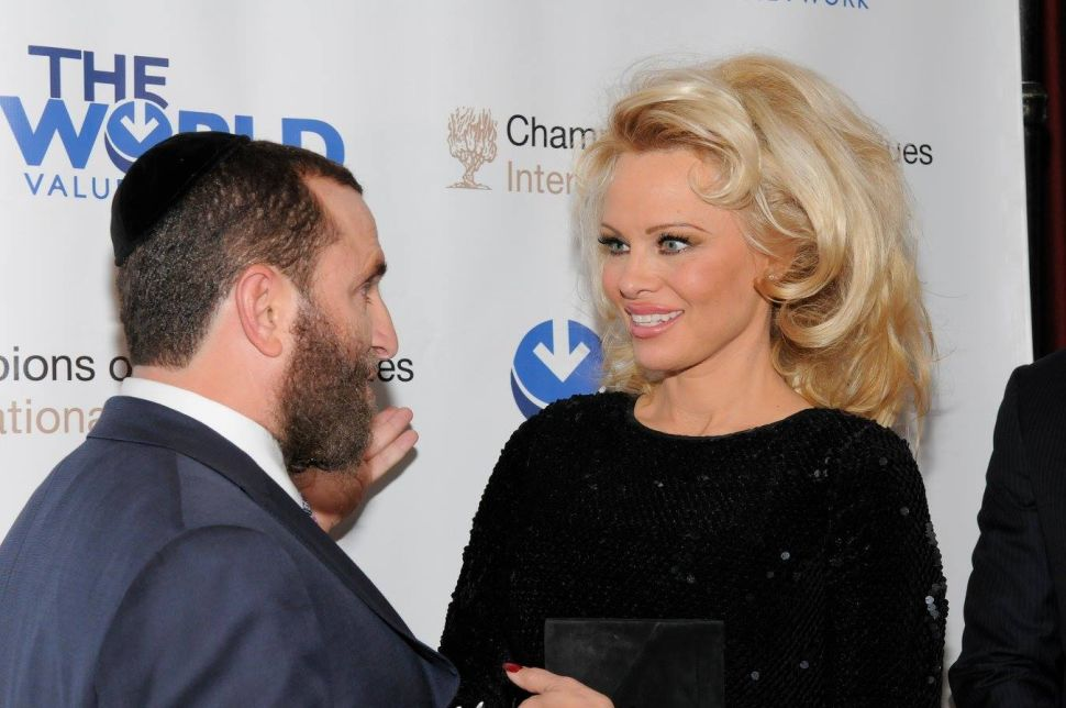 Pamela Anderson Told Me That Zoos Are Immoral—I'm Not So Sure